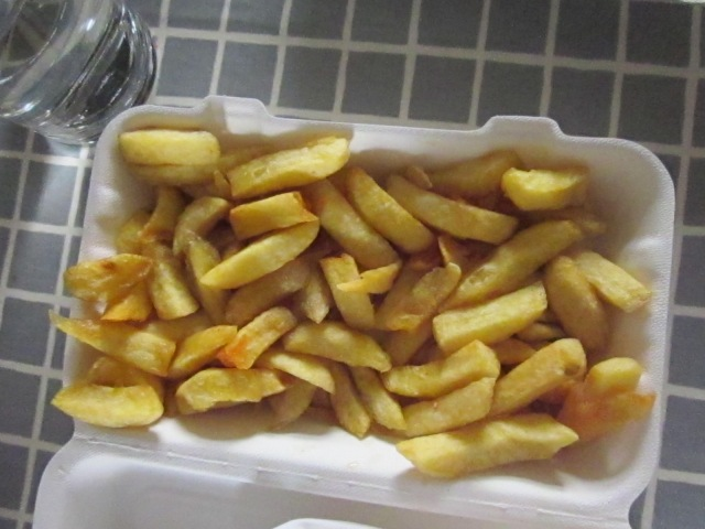 Crisp, hot, hand cut chips with salt and vinegar - all in recyclable boxes