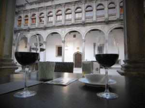 Two glasses of Mencia as night falls in one of the hotel's cloisters