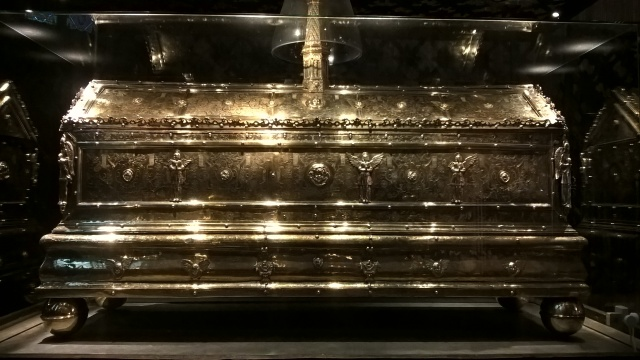 Sumptuous repository in the shrine for the relics of King Erik, Sweden's patron saint